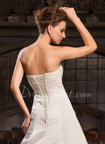 A-Line/Princess Sweetheart Chapel Train Satin Wedding Dress With Ruffle Beading (002022673)