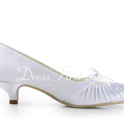 Women's Satin Low Heel Closed Toe Pumps With Bowknot (047011827)