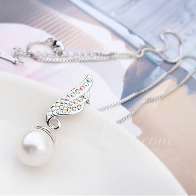 Gorgeous Alloy/Pearl/Platinum Plated Ladies' Necklaces (011054892)
