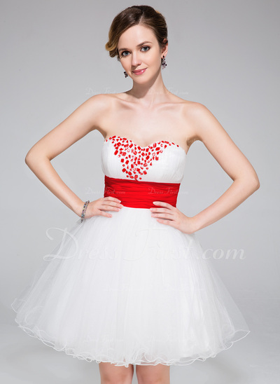A-Line/Princess Sweetheart Short/Mini Tulle Homecoming Dress With Ruffle Sash Beading (022027151)
