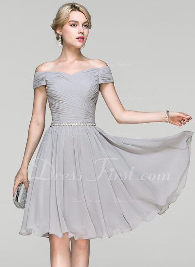 A-Line/Princess Off-the-Shoulder Knee-Length Chiffon Cocktail Dress With Ruffle Beading (016094349)