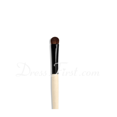 The bleached wood eye shadow brush (046022859)