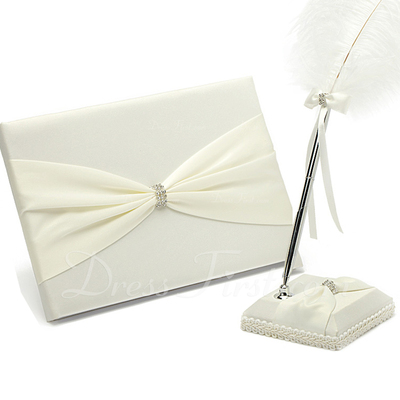 Pretty Rhinestones/Bow Guestbook & Pen Set (101036827)