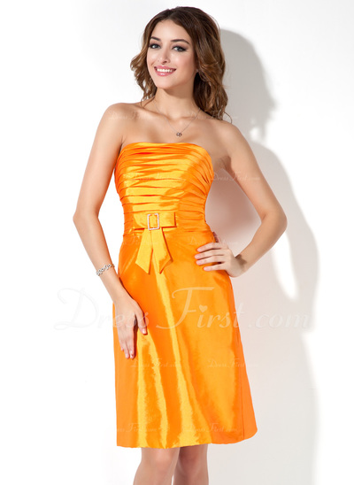 A-Line/Princess Strapless Knee-Length Taffeta Bridesmaid Dress With Ruffle Beading Bow(s) (007001079)
