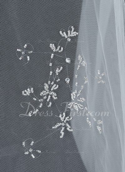 Two-tier Fingertip Bridal Veils With Beaded Edge (006034208)