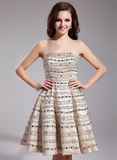 Corte A/Princesa Escote corazón Corto/Mini Satén Vestido de baile de promoción con Bordado Lentejuelas