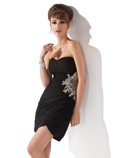 Sheath/Column Sweetheart Short/Mini Chiffon Homecoming Dress With Ruffle Beading Appliques Lace