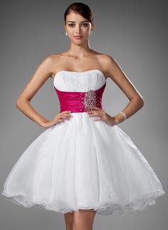 Forme Princesse Bustier en coeur Courte/Mini Taffeta Organza Robe de mariée avec Plissé Ceintures Emperler