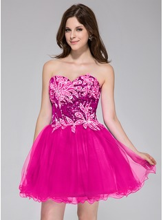 A-Line/Princess Sweetheart Short/Mini Tulle Sequined Homecoming Dress With Beading Appliques Lace