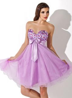 Empire Sweetheart Knee-Length Charmeuse Homecoming Dress With Ruffle Beading Bow(s)