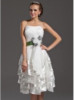 A-Line/Princess Sweetheart Knee-Length Organza Charmeuse Homecoming Dress With Ruffle Sash Feather Flower(s)