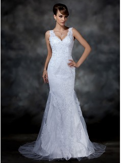 Trumpet/Mermaid V-neck Court Train Tulle Lace Wedding Dress