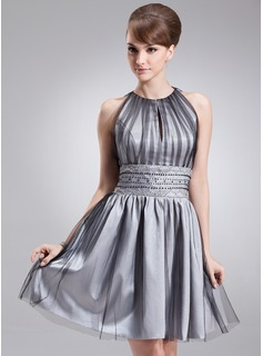 A-Line/Princess Scoop Neck Knee-Length Tulle Homecoming Dress With Ruffle Beading