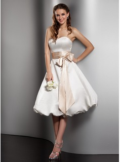 A-Line/Princess Sweetheart Knee-Length Satin Wedding Dress With Sash Bow(s)