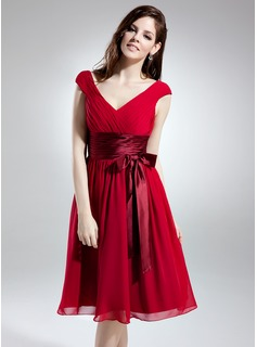 A-Line/Princess V-neck Knee-Length Chiffon Charmeuse Homecoming Dress With Ruffle Sash