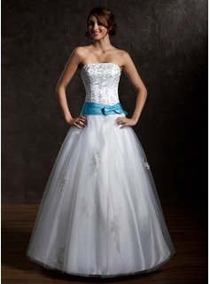 Ball-Gown Strapless Floor-Length Tulle Quinceanera Dress With Lace Sash Beading