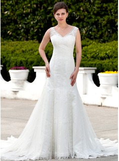 Mermaid V-neck Cathedral Train Tulle Wedding Dress With Lace