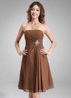 A-Line/Princess Sweetheart Knee-Length Chiffon Homecoming Dress With Ruffle Beading