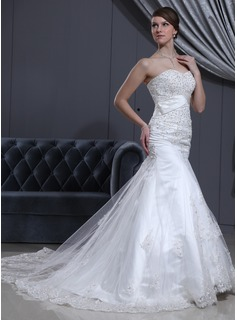 Trumpet/Mermaid Sweetheart Cathedral Train Tulle Wedding Dress With Lace Beading