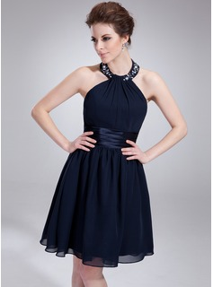 A-Line/Princess Halter Knee-Length Chiffon Charmeuse Homecoming Dress With Ruffle Beading