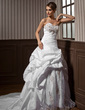 A-Line/Princess Sweetheart Chapel Train Taffeta Wedding Dress With Ruffle Lace Beading (002004162)