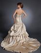 A-Line/Princess Sweetheart Chapel Train Satin Wedding Dress With Ruffle Beading Appliques Lace (002015110)