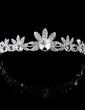 Flower Shaped Alloy/Crystal Women's Jewelry Sets (011028520)